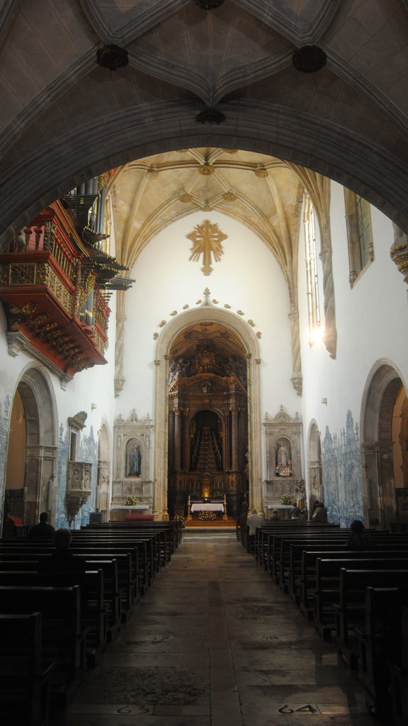 Inside church santa cruz in Coimbra