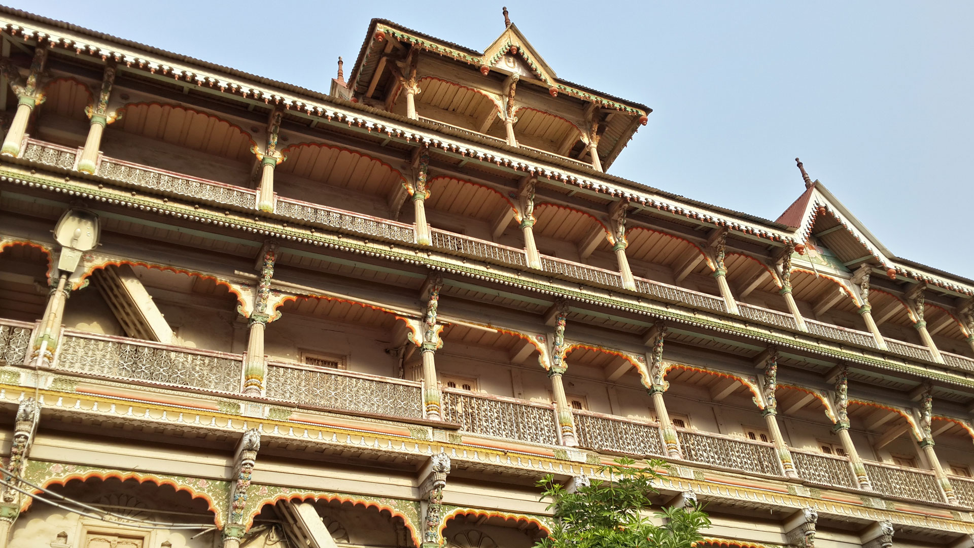 The monasteries at the Kalupur temple in Ahmedabad