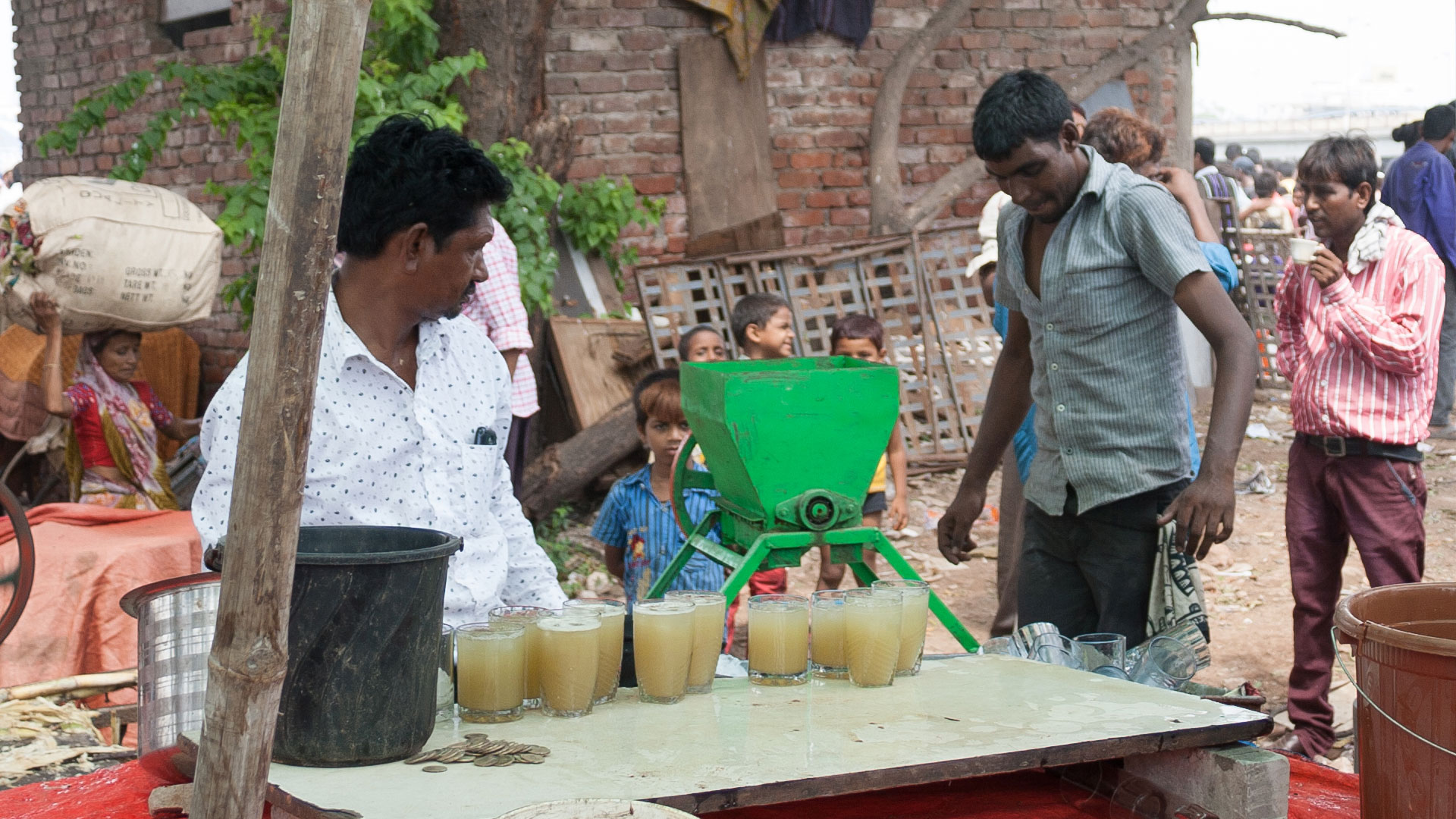 Sugar cane juice at Ravivari Market in Ahmedabad