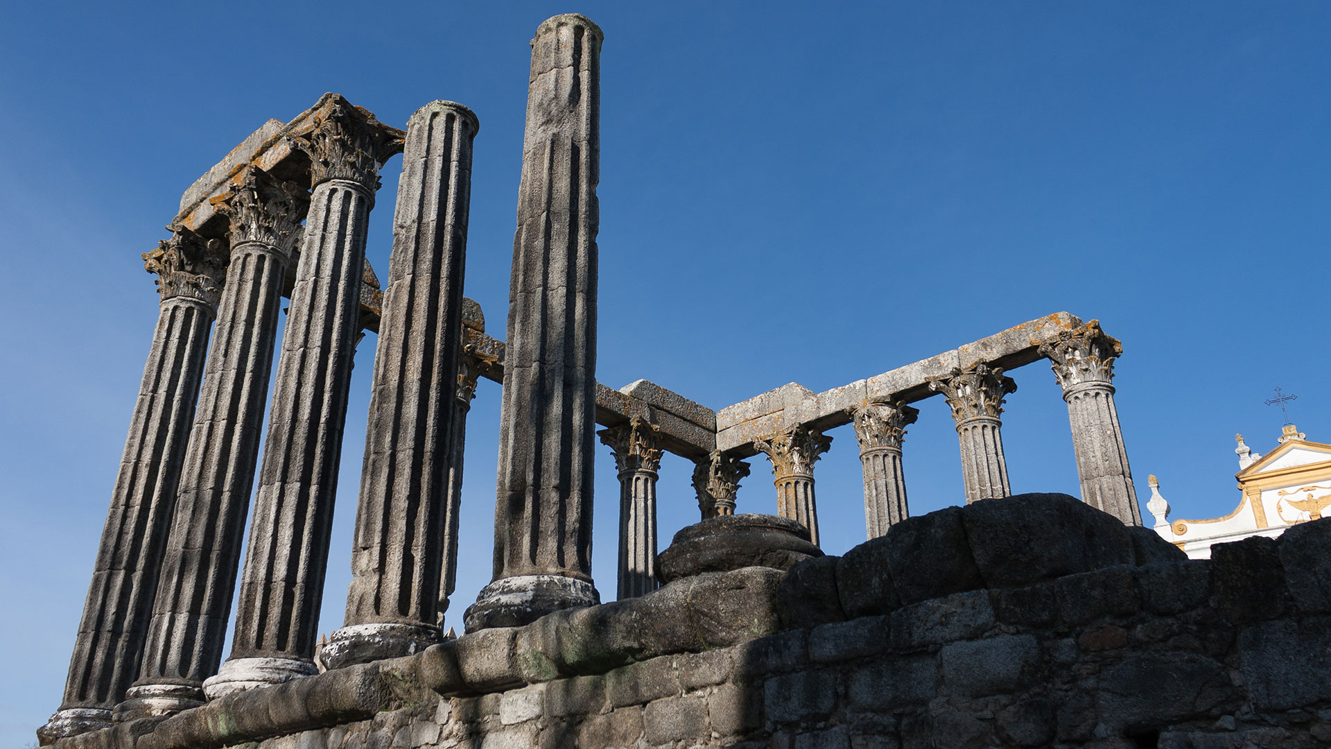 Roman temple | Day trips from Lisbon: Évora, more than a UNESCO World Heritage Site