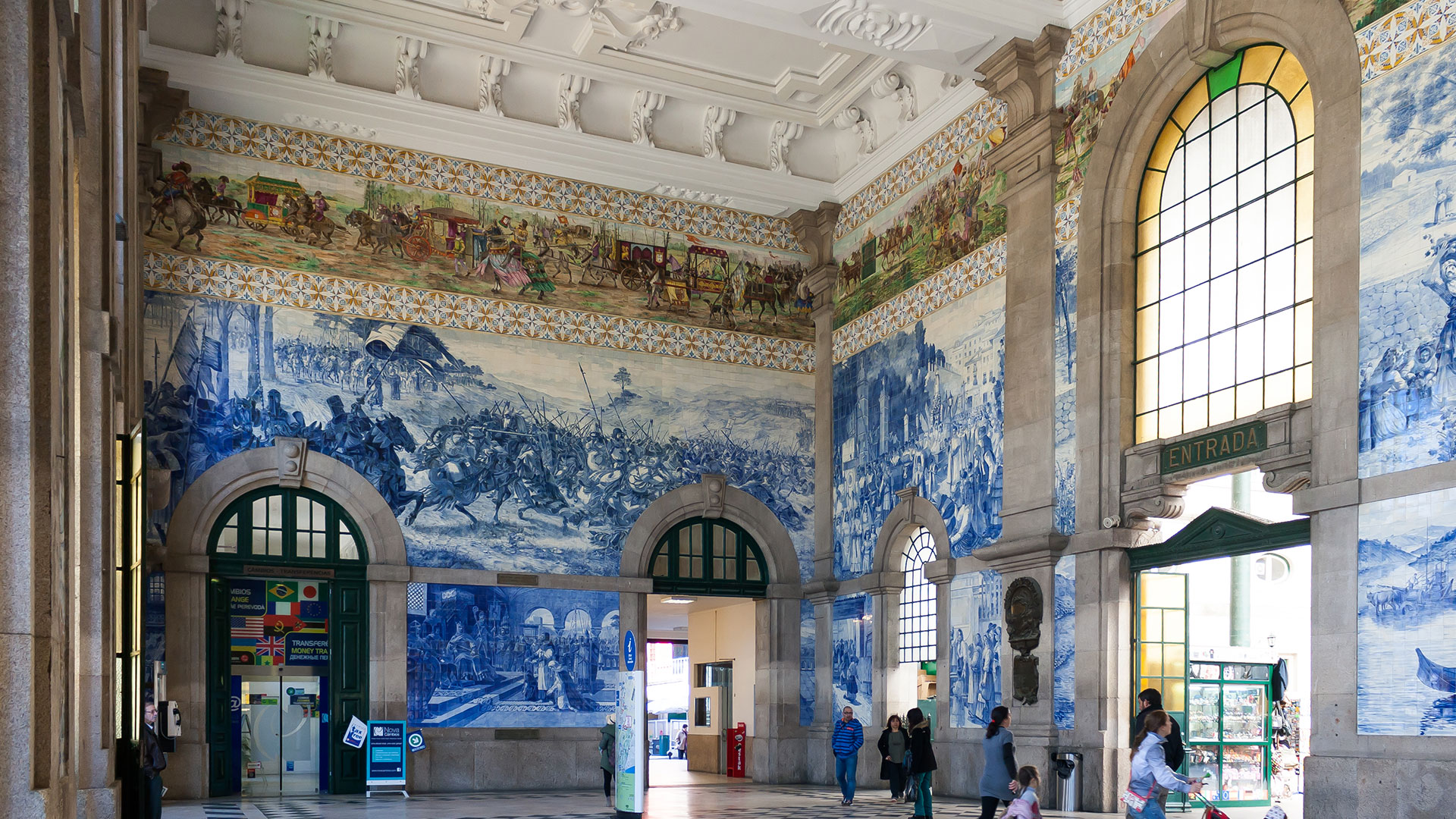 S. Bento train station | 4 postcard perfect images: first impressions of Porto.