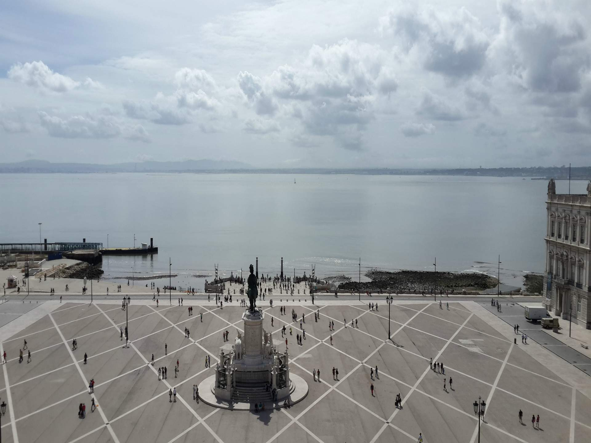 View from the Arch of Rua Augusta   32 Free and Paid Spots to See Lisbon from the Top