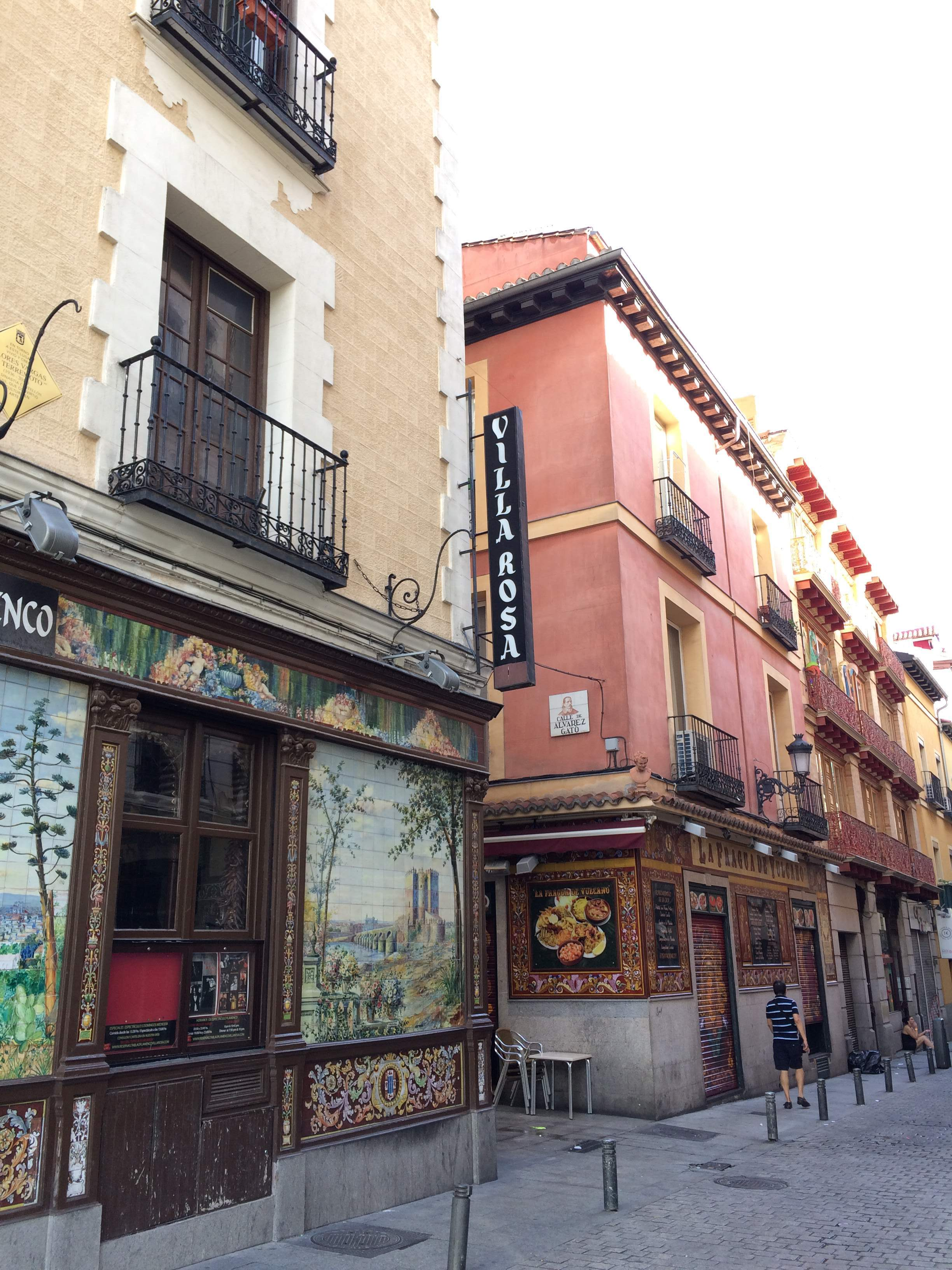 Charm and character is everywhere at Huertas | Devour Madrid food tour review by www.tripper.pt