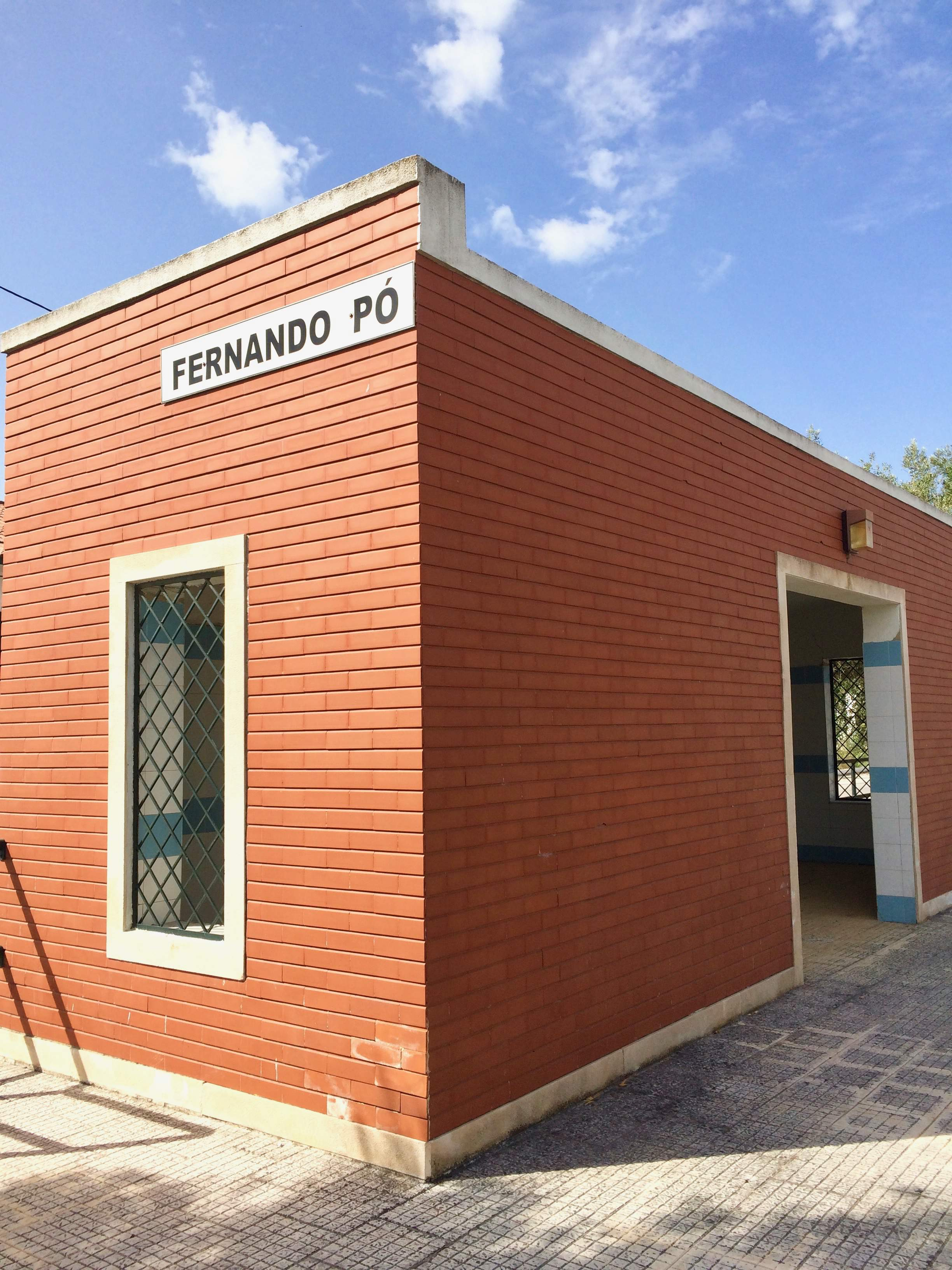 Fernando Pó train station