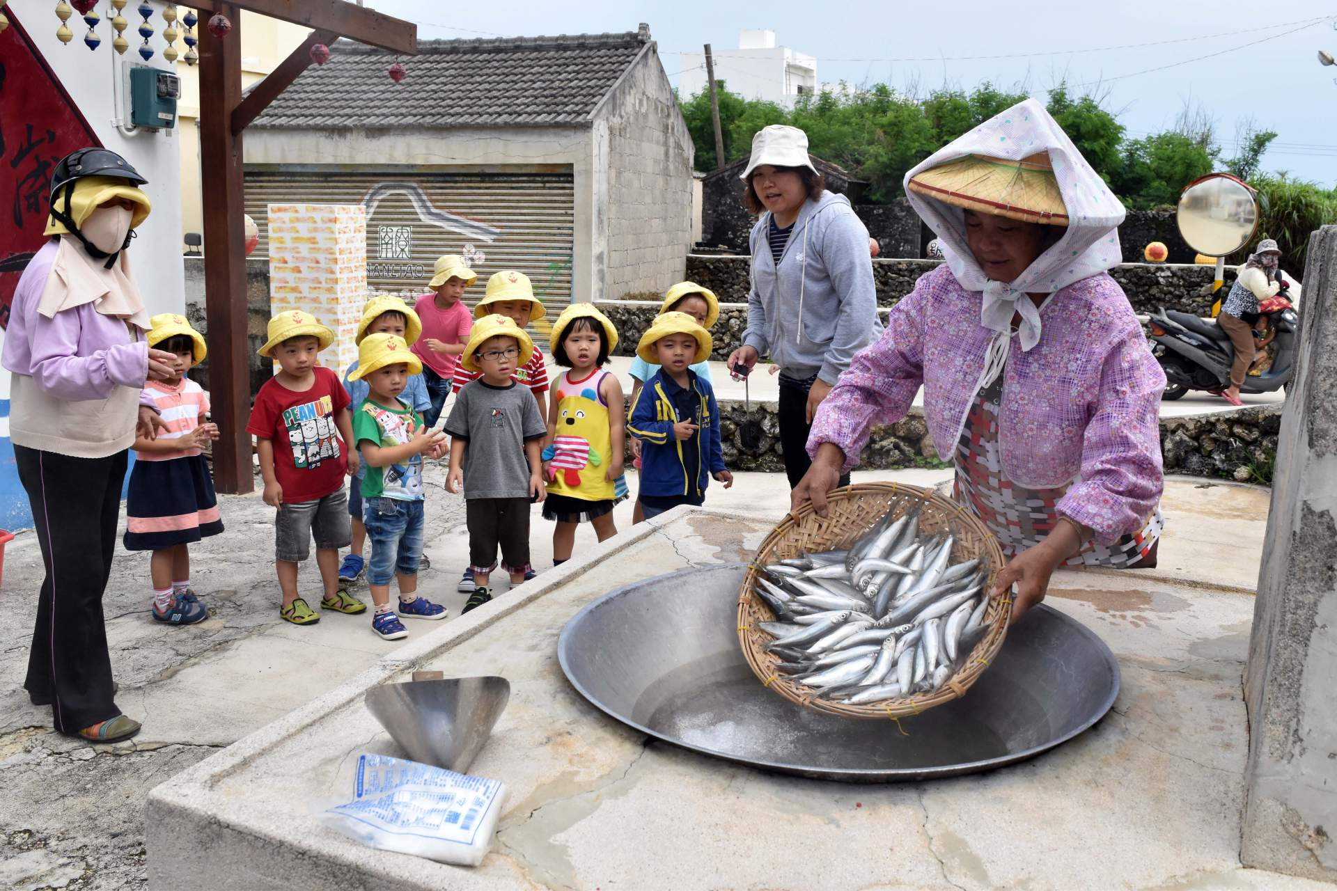 Traditional fish stove in Nanliao Village, Taiwan (Photo courtesy of FangFang Shih